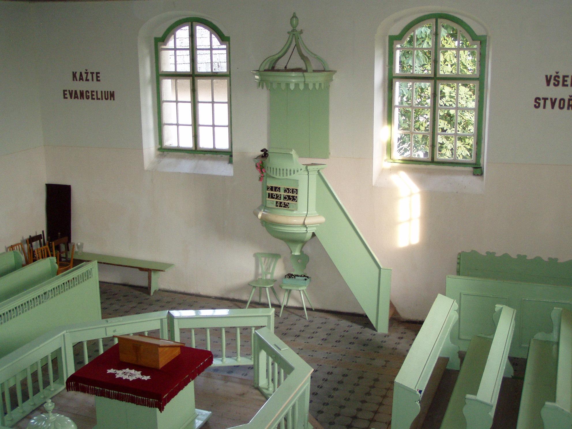 kostel Horní Vilémovice vnitřní.jpg